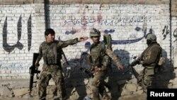 قوای مسلح افغانستان به تعقیب خروج و کاهش عساکر بین المللی بارسنگین جنگ را به عهده گرفته است.