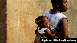 Polícia da África austral procura combater a violência contra a mulher