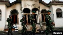 Sebuah masjid Ahmadiyah di Desa Ciampea, Bogor yang dibakar oleh massa tahun 2010 (foto: ilustrasi).