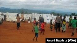 Campo de refugiados moçambicanos em Kapise, Malawi.