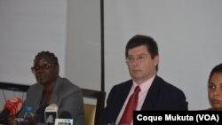 """""""Angola tem de elaborar uma estratégia para os migrantes"""", diz Relator Especial da ONU - 1:48"""