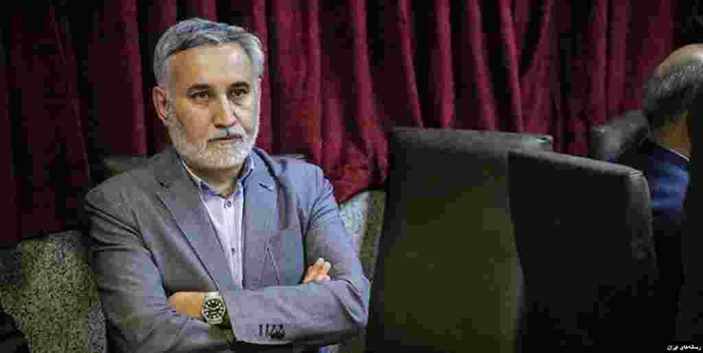 دادستان عمومی و انقلاب تهران خبر داد که محمدرضا خاتمی، برادر رئیس جمهوری سابق ایران به خاطر اظهاراتش درباره تقلب در انتخابات سال ۱۳۸۸ مورد پیگرد قرار گرفته است. از او پرسیده شده چرا گفته است که در آن انتخابات ۸ میلیون رای تقلب شد.