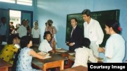 美國國務卿克里90年代於家人曾經訪問越南