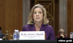 前國防部次長沃姆斯女士2017年12月13日在國會作證(美國國會視頻截圖)