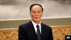 中共十八大后升任政治局常委兼中央纪委书记的反腐大总管王岐山。(资料照)