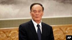 中共十八大後升任政治局常委兼中央紀委書記的反腐大總管王岐山。(資料照)