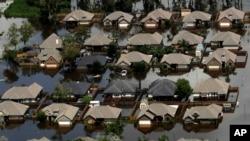 Kay anba dlo inondasyon dlo rivyè Brazos apre pasaj siklòn Harvey, nan Freeport, Tegzas, 1e septanm 2017.