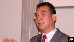 林毅夫在香港科技大学发表演讲