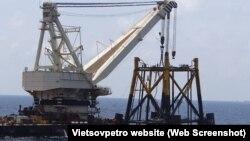 Hoạt động của Vietsovpetro ở ngoài khơi.