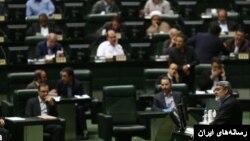 عبدالرضا رحمانی فضلی وزیر کشور ایران به مجلس گزارش داد.