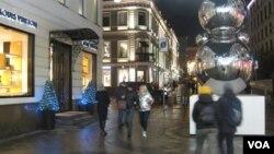 莫斯科市中心的一处购物街,武汉肺炎或减少去当地的中国访客数量。(美国之音白桦拍摄)