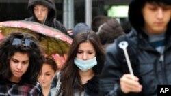 Ljudi koji su preboljeli svinjsku gripu nose antitijela za stvaranje univerzalnog cjepiva protiv gripe (AP Photo/Boris Grdanoski)