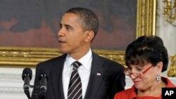 အေမရိကန္သမၼတ Obama နဲ႔ ကန္-ကူးသန္းေရာင္းဝယ္ေရး ဝန္ႀကီး Penny Pritzker ။