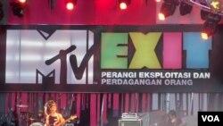 MTV va AQSh elchixonasining odam savdosiga qarshi kurash doirasida Indoneziyada uyushtirgan konserti