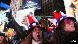 Casi un millón de personas se dieron cita en Times Square para celebrar la llegada del 2011.