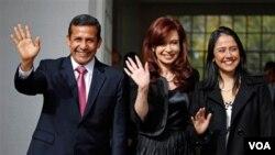 """La presidenta argentina Cristina Fernandez, recibió al presidente electo en Perú en su residencia, donde mantienen una """"audiencia privada""""."""