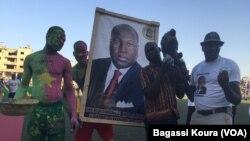 Des supporters du candidat Zéphirin Diabré le 25 novembre 2015. (VOA/Bagassi Koura)