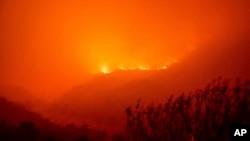14 Eylül 2021 - California'da orman yangınları Ulusal Sekoya Parkı'na kadar ulaştı