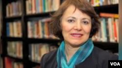 Homa Hoodfar, profesor warga Kanada keturunan Iran, yang ditahan atas tuduhan keamanan, dibebaskan oleh Teheran (foto: dok).