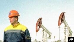 수출용 원유를 캐는 러시아 유전
