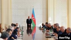 İlham Əliyevin sədrliyi ilə Nazirlər Kabinetinin iclası keçirilib