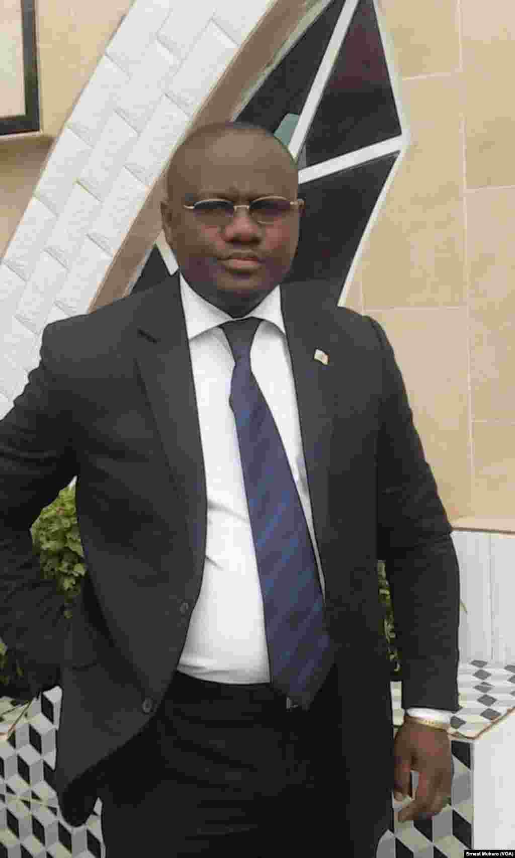 Alain Ntambuka, sécrétaire fédéral PPRD interpellé par la police le 12 octobre 2016. (VOA/Ernest Muhero)
