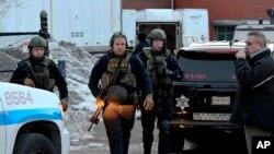 총기난사 사건 현장에 출동한 경찰