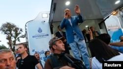 Türkiyə prezidenti Rəcəb Tayyib Ərdoğan İstanbulda çıxış edir