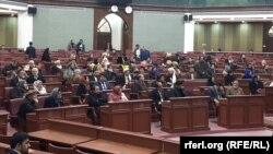 بر خلاف روز های معمول، اکثر اعضای ولسی جرگه در روز های استیضاح مقامات حکومت در تالار شورای ملی، حضور میابند.