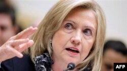 Sek. Klinton i përcjell Shqipërisë urimet e Pres. Obama dhe popullit amerikan