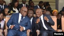 Le président de la RDC, Félix Tshsiekedi et son prédécesseur Joseph Kabila, à droite au Palais de la nation, Kinshasa, 24 janvier 2019.