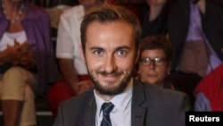 """Jan Boehmermann, host of the late-night """"Neo Magazin Royale"""" on the public ZDF channel is pictured during a TV show in Hamburg, Germany, August 21, 2012. Turkish President Recep Tayyip Erdogan wants him prosecuted for a crude poem about him."""