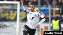 میلاد سالم در صفحۀ فیسبوک خود نوشته که با درنظر داشت برنامه های مربی تیم ملی افغانستان عضویت در آن تیم را قبول کرده است.
