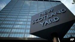 Agentes de Scotland Yard arrestaron a un hombre y una mujer de 67 años en el barrio londinense de Lambeth.
