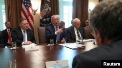 جلسه کابینه پرزیدنت ترامپ در کاخ سفید - آرشیو
