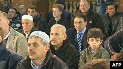 Besimtarët myslimanë në Maqedoni festojnë Kurban Bajramin