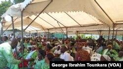 Les militants réunis à Abidjan pour fêter les 73 ans du PDCI, en Côte d'Ivoire, le 9 avril 2019. (VOA/George Ibrahim Tounkara)