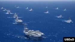 Vùng biển Ðông Nam Á đối mặt trước các vụ tranh chấp chủ quyền, nạn hải tặc, buôn lậu, và tình trạng xuống cấp nhanh chóng của các nguồn tài nguyên hàng hải