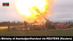 Азербайджанская артиллерия в зоне Нагорно-Карабахского конфликта. 28 сентября 2020.