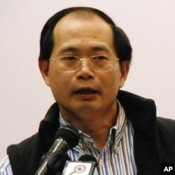 時事評論員陳雲