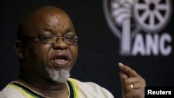 Afrika Milliy Kongressi Bosh kotibi Gvede Mantashe Vashingtonni Janubiy Afrikada hukumatni o'zgartirishga urinayotganlikda ayblagan edi.