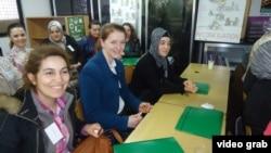 """Преку совети и обука - до работа: фотографија од сесијата во организација на """"Женска акција"""""""