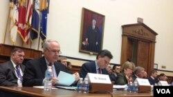 美中經濟與安全審議委員會公佈年度報告。 (美國之音 楊晨拍攝)