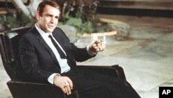 شان کانری، اولین هنرپیشه ای که نقش جیمز باند، مامور ام آی-6 را بازی کرد.