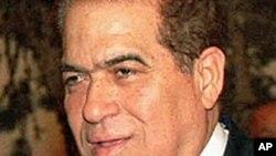 Egyptian Prime Minister Kamal el-Ganzoury (file photo)