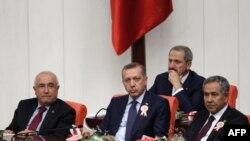 Ankara'da Siyasi Ortam Yumuşuyor
