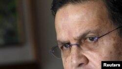 Rafael Callejas, un ancien chef de la fédération de football du Honduras, lors d'une interview accordée à Reuters dans son bureau à Tegucigalpa, au Honduras, le 3 décembre 2015.