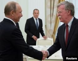 Rusya Devlet Başkanı Vladimir Putin'le görüşen Başkan Trump'ın ulusal güvenlik danışmanı John Bolton