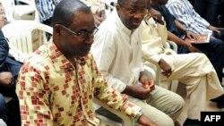 Djibrill Bassolé, Gilbert Diendéré et d'autres accusés lors de leur procès à Ouagadougou, le 27 avril 2017 (AFP PHOTO / Ahmed OUOBA)