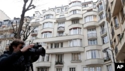 The building believed to contain home of IMF Managing Director Christine Lagarde, Paris, March 20, 2013.